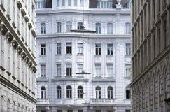 Vecchia facciata degli edifici residenziali Fotografie Stock