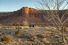Vecchia fattoria abbandonata nella regione della scogliera del Campidoglio dell'Utah Fotografie Stock Libere da Diritti
