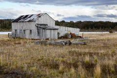 Vecchia fattoria nel lago di fagnano vicino a Tolhuin Fotografia Stock Libera da Diritti