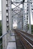 Vecchia ferrovia fuori della città Fotografia Stock Libera da Diritti