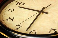 Vecchia fine dell'orologio in su Fotografia Stock Libera da Diritti