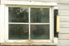 Vecchia finestra abbandonata del granaio Immagine Stock