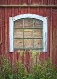 Vecchia finestra del granaio immagine stock