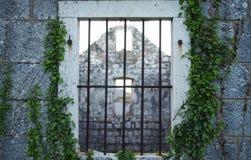 Vecchia finestra della Camera immagine stock