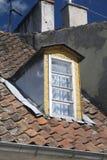 Vecchia finestra di dormer Fotografie Stock Libere da Diritti