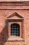 Vecchia finestra in muro di mattoni - composto di Krutitskoe a Mosca Russia fotografia stock libera da diritti