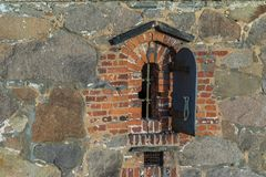 Vecchia finestra nella vecchia città Fredrikstad, Norvegia Immagini Stock Libere da Diritti