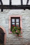 Vecchia finestra sulla Camera medioevale Fotografie Stock Libere da Diritti