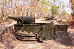 Vecchia fortezza con i vecchi cannoni Vung Tau Mountain - nel Vietnam Immagine Stock
