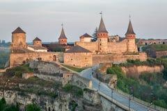 Vecchia fortezza di Kamenetz-Podol'sk vicino alla città di Kamianets-Podilskyi Immagini Stock Libere da Diritti