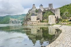 Vecchia fortezza su Danubio Fotografia Stock