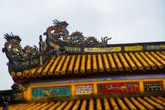Vecchia fortezza Un frammento della decorazione del tetto Tonalità, Vietnam Fotografia Stock Libera da Diritti