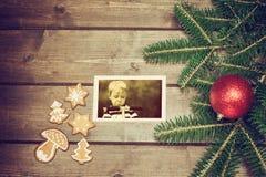 Vecchia foto di Natale del ragazzo arrabbiato Immagine Stock Libera da Diritti