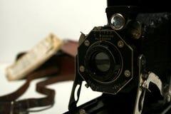 Vecchia fotocamera a cassetta antica Fotografia Stock