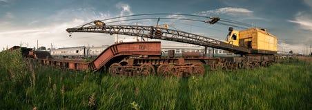 Vecchia gru ferroviaria arrugginita Fotografia Stock Libera da Diritti