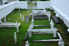 Vecchia iarda grave musulmana ad Abidin Mosque in Kuala Terengganu, Malesia Fotografia Stock