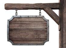 Vecchia insegna medievale di legno della locanda isolata Fotografia Stock Libera da Diritti