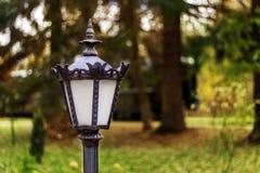 Vecchia lampada di via dell'annata immagini stock