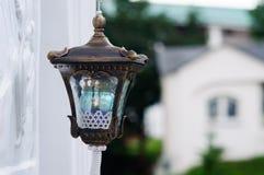 Vecchia lampada a olio nella Trinità-st santa Sergius Lavra immagini stock