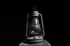 Vecchia lanterna d'annata in bianco e nero Fotografie Stock Libere da Diritti
