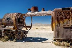 Vecchia locomotiva a vapore nel cimitero del treno, Uyuni - Bolivia Immagine Stock Libera da Diritti