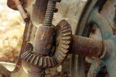 Vecchia macchina arrugginita dentro Fotografia Stock Libera da Diritti