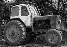 Vecchia macchina del trattore fotografia stock libera da diritti