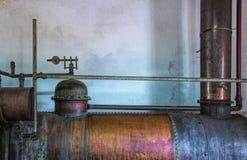 Vecchia macchina di distillazione Fotografie Stock