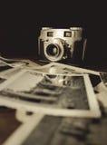 Vecchia macchina fotografica con Photo3 fotografia stock libera da diritti