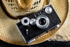 Vecchia macchina fotografica della pellicola dell'annata Fotografie Stock Libere da Diritti