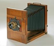 vecchia macchina fotografica di legno Fotografie Stock Libere da Diritti