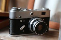 Vecchia macchina fotografica retro immagini stock libere da diritti