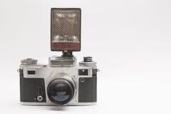 Vecchia macchina fotografica su un fondo bianco Immagini Stock Libere da Diritti