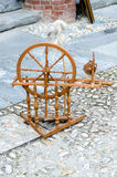 Vecchia macchina per la filatura della lana immagine stock libera da diritti
