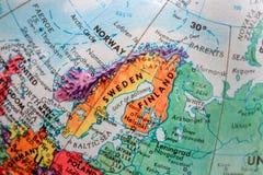 Vecchia mappa della stampa, globo terrestre, svezia, finlandia immagine stock libera da diritti