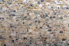 Vecchia muratura del fondo con le pietre di colore differente Fotografia Stock