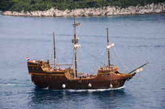 Vecchia nave che gira sul mare adriatico Fotografia Stock Libera da Diritti