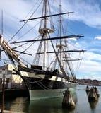 Vecchia nave in porto fotografia stock