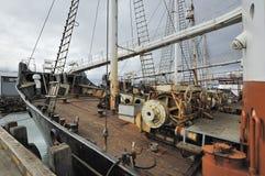 Vecchia nave in porto Fotografie Stock