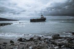 Vecchia nave sulla riva, Fotografia Stock