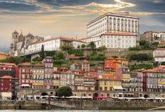 Vecchia Oporto sulla collina, Portogallo Immagine Stock Libera da Diritti