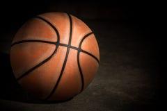 Vecchia pallacanestro Fotografie Stock Libere da Diritti