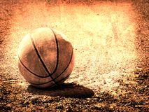 Vecchia pallacanestro di cuoio fotografie stock