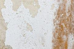Vecchia parete arrugginita di bianco di danno Fotografia Stock Libera da Diritti