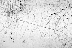 Vecchia parete bianca con le crepe Fotografie Stock Libere da Diritti