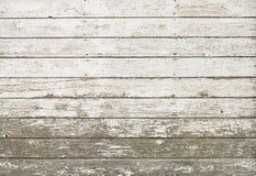 Vecchia parete bianca rustica del granaio della plancia Fotografia Stock Libera da Diritti