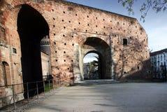 Vecchia parete del castello italiano immagini stock