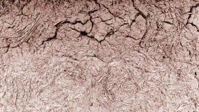 Vecchia parete dell'argilla, capanna del fango, argilla incrinata fotografie stock libere da diritti