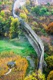 vecchia parete della fortezza, autunno fotografie stock