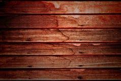 Vecchia parete di legno con i chiodi arrugginiti immagini stock